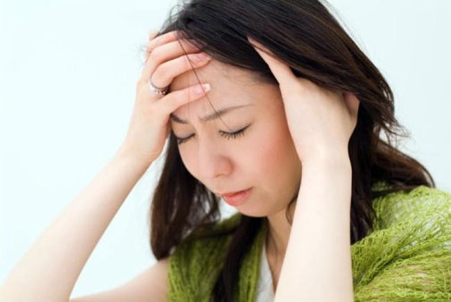 đau đầu sau gáy bên trái và gần tai là bệnh gì