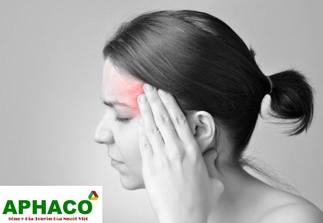 Đau đầu bên trái và nhức mắt trái theo giờ trong ngày là bệnh gì?
